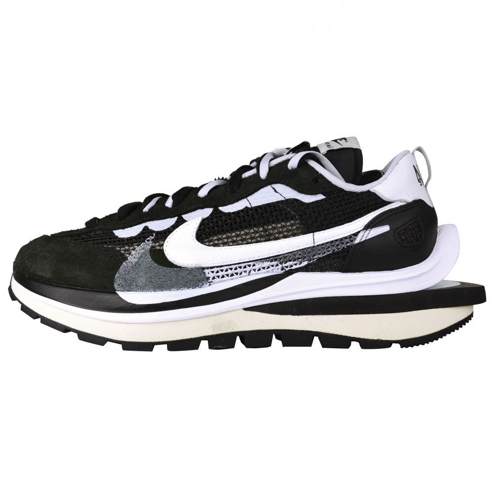 Sacai x Nike Vaporwaffle (Black)